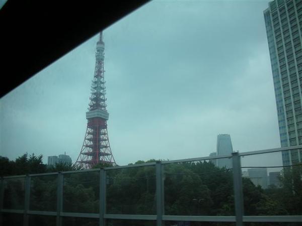 970608-E前往AQUA CITY 03東京鐵塔.JPG