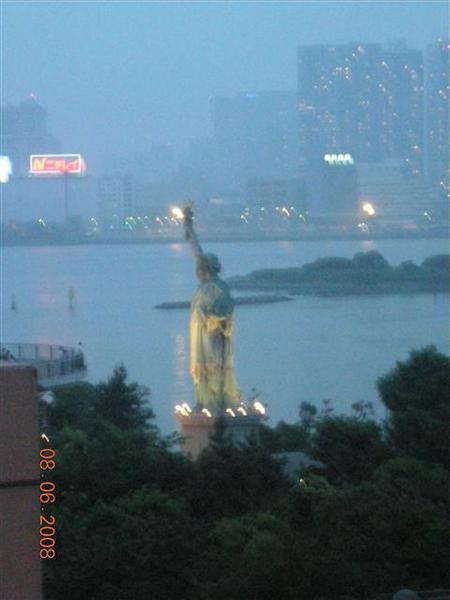 970608-F AQUA CITY 04自由女神像.JPG