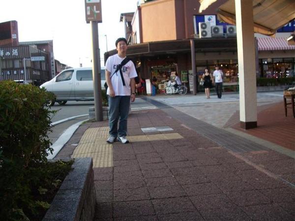 950823-D落腳處外的街道與商店06.JPG