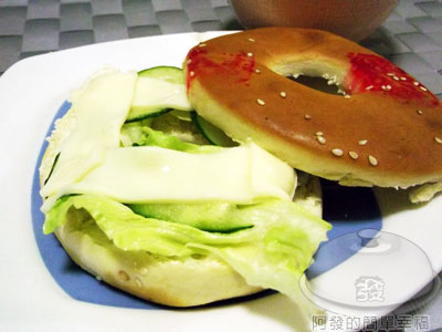 20110611-中式貝果堡(鹹光餅堡)02.jpg