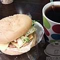 板橋-小廚房08招牌漢堡40元.jpg