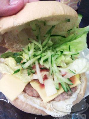 板橋-小廚房09招牌漢堡40元.jpg