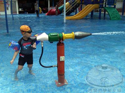 士林-前港游泳池04-大型兒童戲水池.jpg