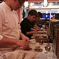 鮭鮮人壽司屋07-工作檯.jpg