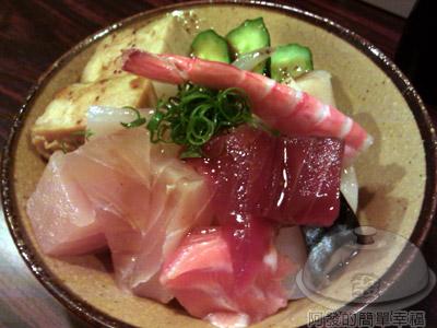 鮭鮮人壽司屋10-海鮮丼.jpg
