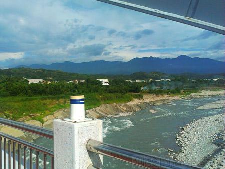 東勢-東豐自行車綠廊17東豐鐵橋上望大甲溪