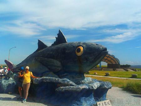 新竹-南寮漁港04大(魚參)魚雕塑