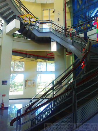 新竹-南寮漁港14旅客服務中心-迴旋狀階梯