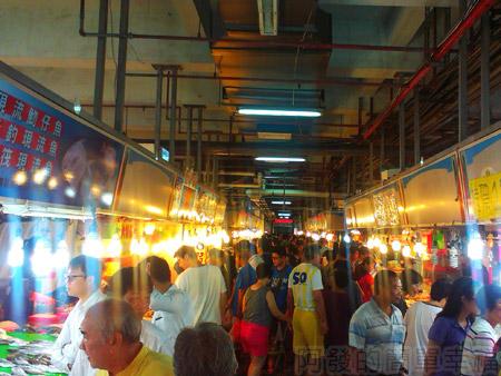 新竹-南寮漁港19漁產品直銷中心-熱鬧的魚市