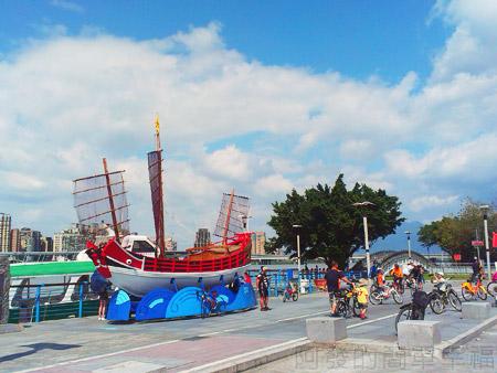 大稻埕碼頭02唐山帆船造景及碼頭拱橋