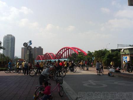 古亭河濱公園01永福橋下河濱公園入口處