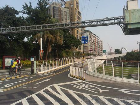 古亭河濱公園21古亭河濱公園跨堤天橋