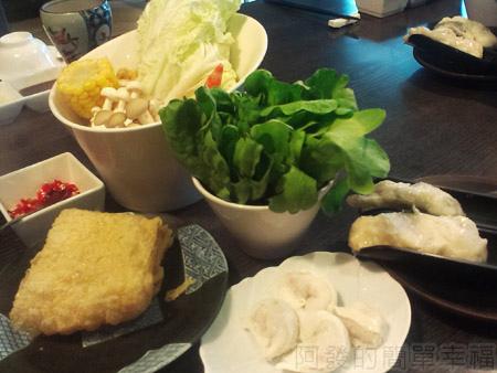 品火鍋-帝王蟹鍋物06鍋底菜色