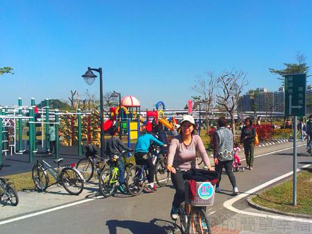 新店陽光運動園區07兒童遊戲區