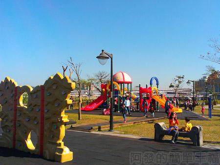 新店陽光運動園區08兒童遊戲區