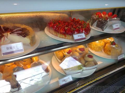 內湖碧山路採草莓I-13莓圃-各式蛋糕