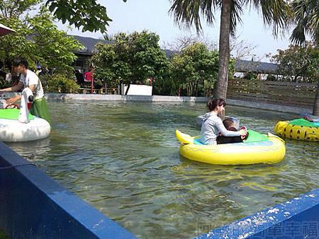桃園觀音向陽農場II-15可愛動物充氣船乘坐水池