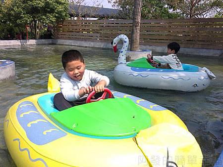 桃園觀音向陽農場II-16可愛動物充氣船乘坐水池