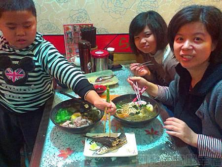 三重-雙滿瀧日式拉麵08美味上桌
