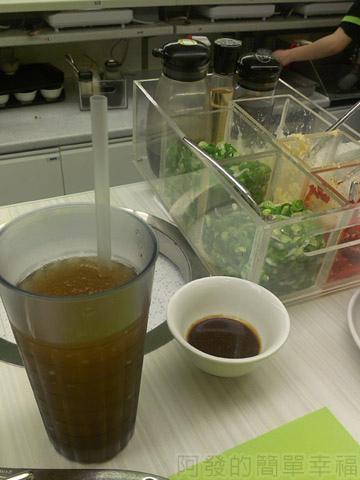 新莊-石二鍋07飲品和醬料
