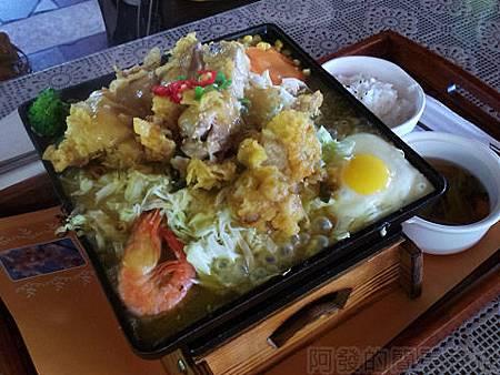 新社-沐心泉27-香茅檸檬雞腿排餐