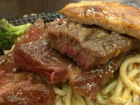 新北市三重-大智牛排17-各肉排切面
