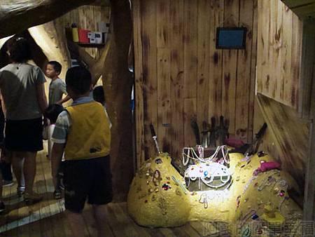 探險活寶-阿寶老皮特展14-麻吉樹屋入口