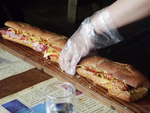 宜蘭II-窯烤山寨村29隔壁桌70公分的惡棍鴨