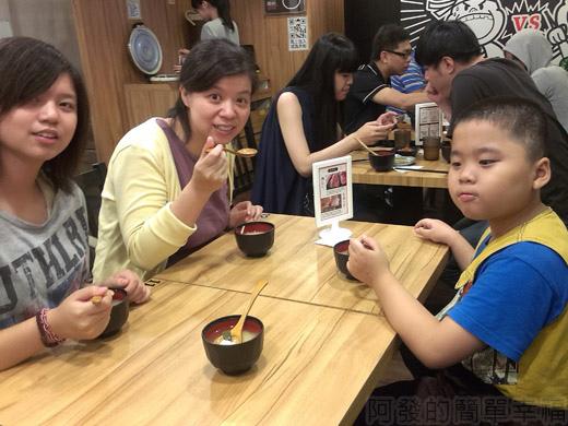 內湖-開丼燒肉vs丼飯10地下室用餐環境