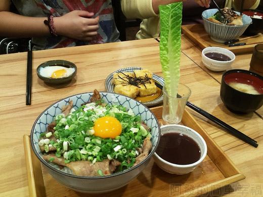 內湖-開丼燒肉vs丼飯18日出燒肉丼