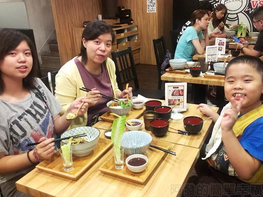 內湖-開丼燒肉vs丼飯33味美的一餐