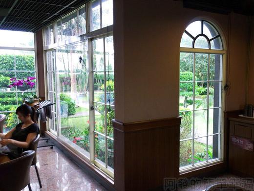 礁溪-伯朗蘭花咖啡館13一樓環境