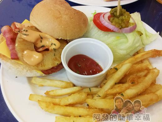 板橋-YUMMY雅米早午餐17-夏威夷培根起司漢堡套餐