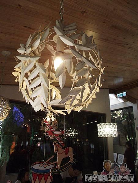 梅花湖-飛行碼頭08前半段用餐區-燈飾