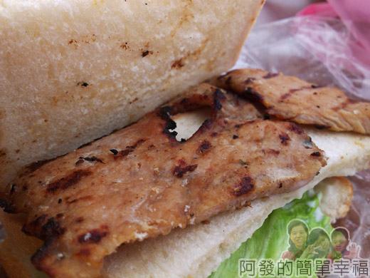 新埔站-無名攤車漢堡06肉排