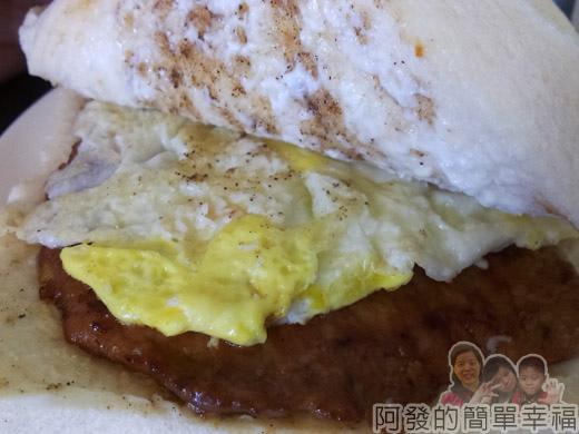 品品早餐-肉蛋吐司07肉蛋吐司