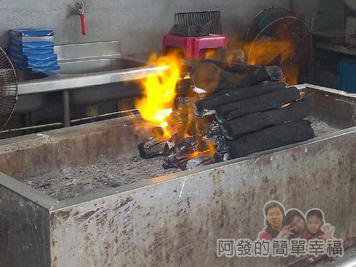 壯圍-嘉澎碳烤08木碳生火