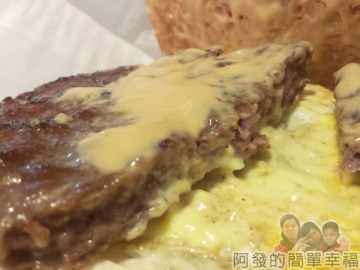 板橋-找餐屋09厚切牛漢堡套餐切面