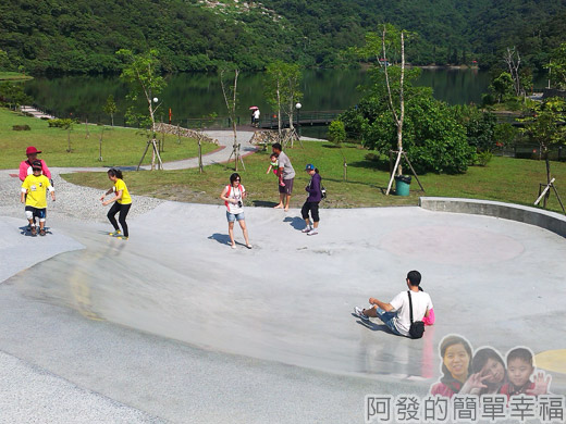 宜蘭礁溪-龍潭湖13弧形大碗狀溜滑梯