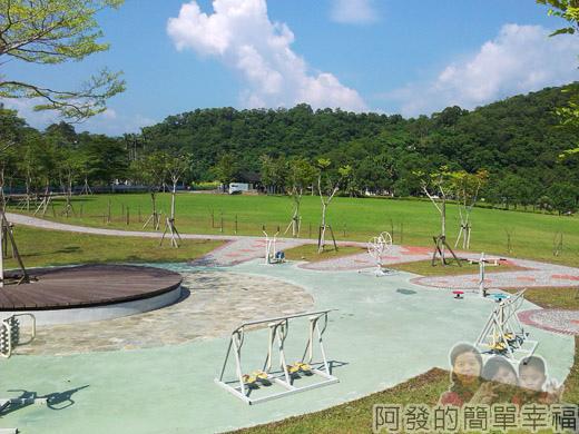 宜蘭礁溪-龍潭湖17健身器材區