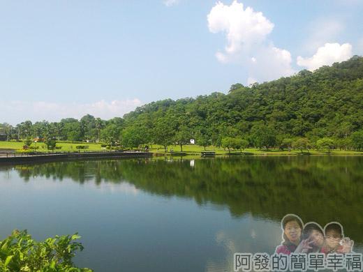 宜蘭礁溪-龍潭湖19湖畔一景I