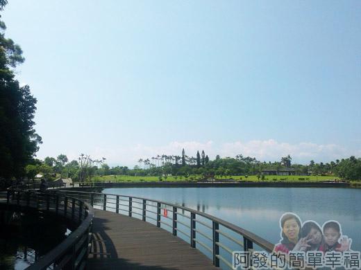 宜蘭礁溪-龍潭湖20湖畔一景II