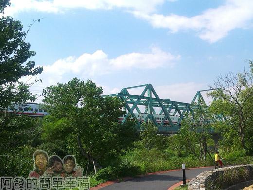 冬山河自行車專用道31火車鐵橋