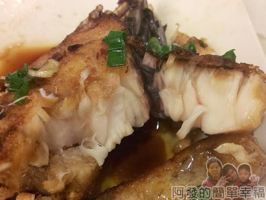 冬山-米食小館21-煎魚肉質