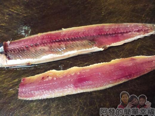 泡菜秋刀魚06-片下秋刀魚4