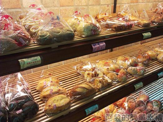 新莊-蜜而可藝術蛋糕03麵包區