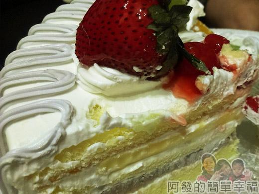 新莊-蜜而可藝術蛋糕13經典蛋糕-芋頭布丁-剖面