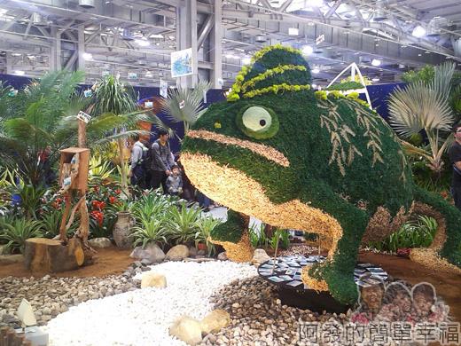 臺北花卉裝置藝術設計大展33-沙漠綠洲-來自杜拜的明信片-會旋轉的大型變色龍裝置設計