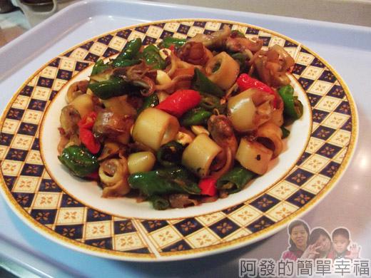 青龍炒小卷09-起鍋裝盤