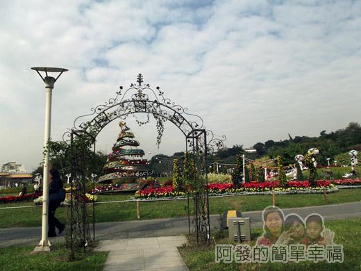 2014臺北花卉展32-圓山園區6區-翻滾吧彩虹耶誕2